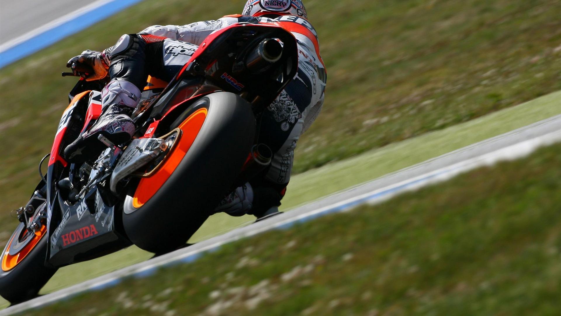 ホンダスポーツバイク トップスポーツバイクの写真の壁紙プレビュー 10wallpaper Com