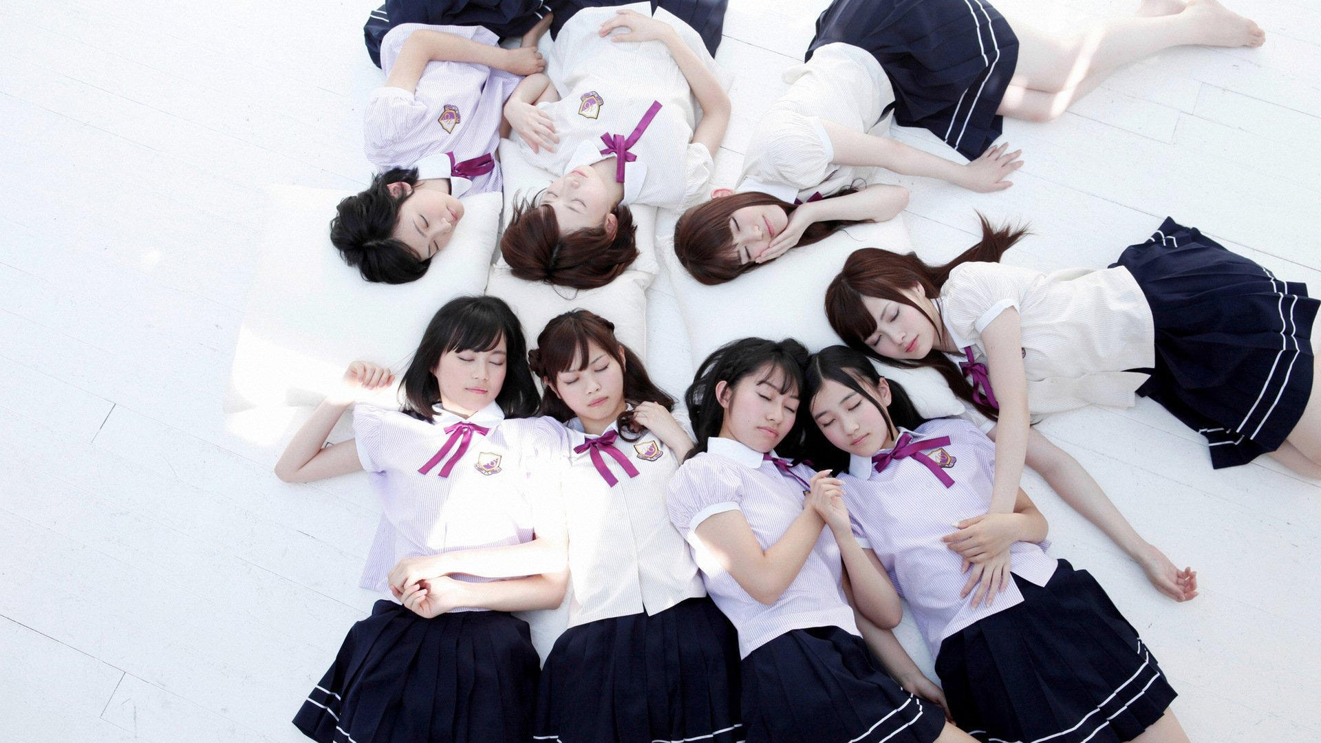 japanese-high-school-girls-groping