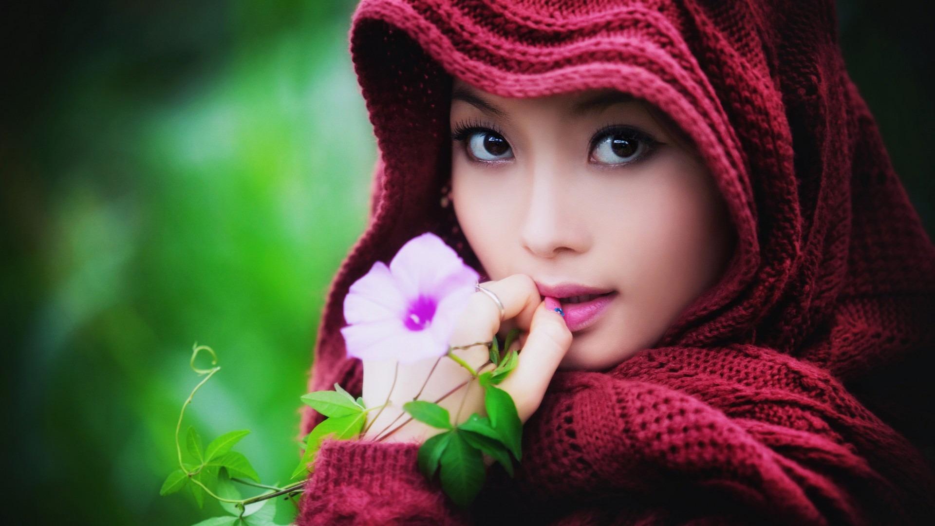 Asian girl naked photo