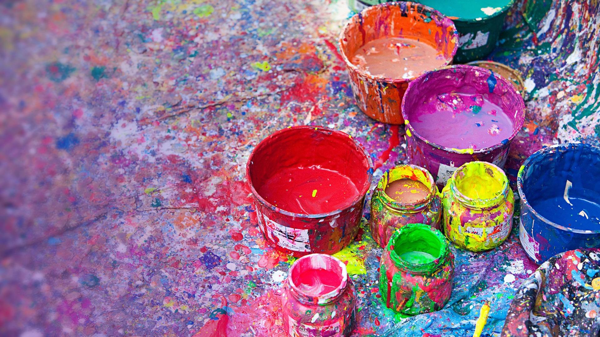 Les bombes a rosols de peinture windows th me fond d 39 cran for Theme ecran