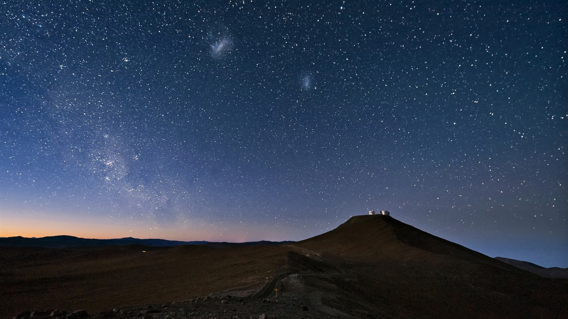 夜の砂漠の山 風景のhd壁紙プレビュー 10wallpaper Com