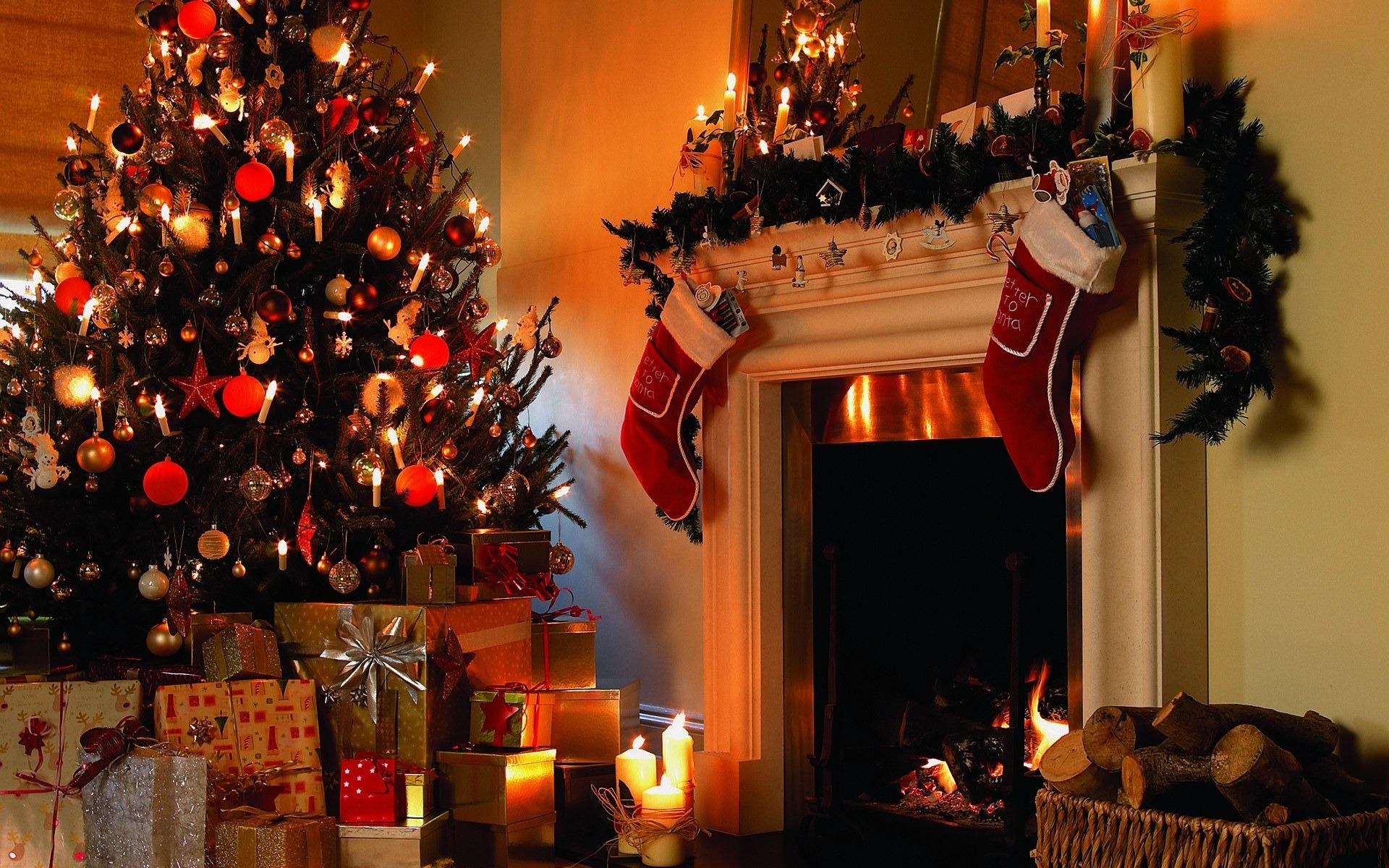 Photo Decorative Christmas Fireplace Decorating