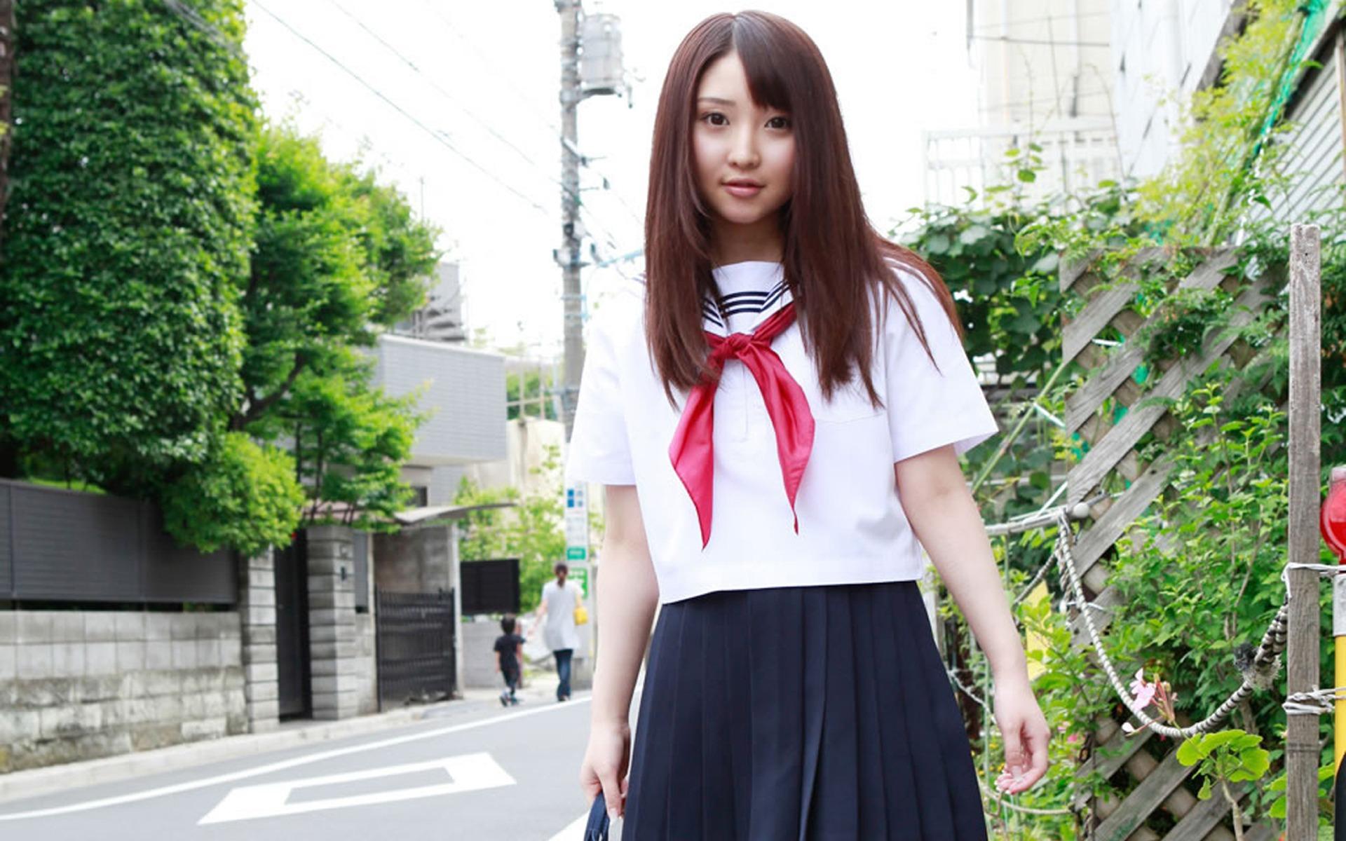 japan-school-girls-pictures