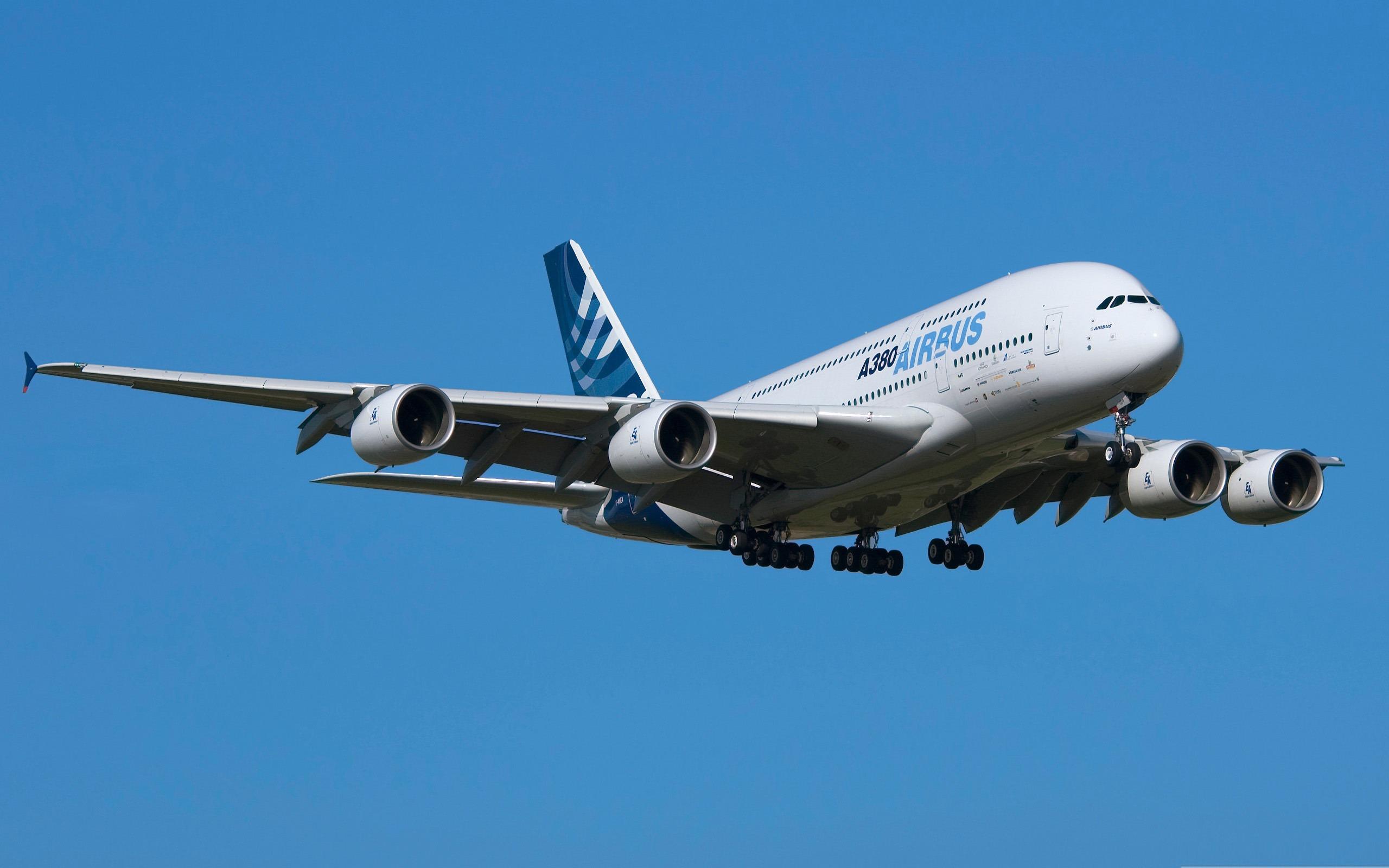 2014年日历壁纸_空中客车A380-民航航空飞机桌面壁纸预览 | 10wallpaper.com