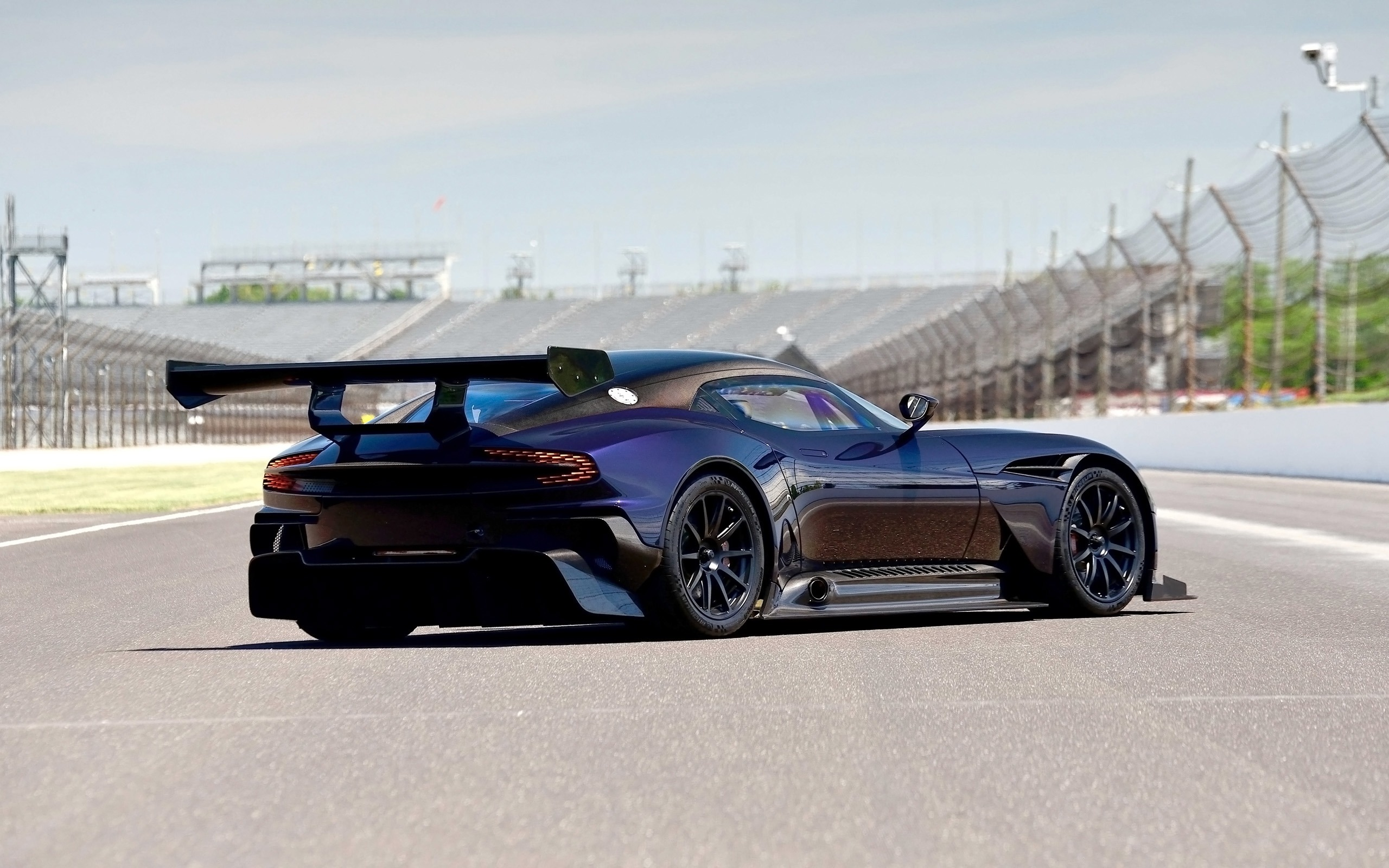 2016 Aston Martin Vulcan Supercar HD Wallpaper 02 Preview ...