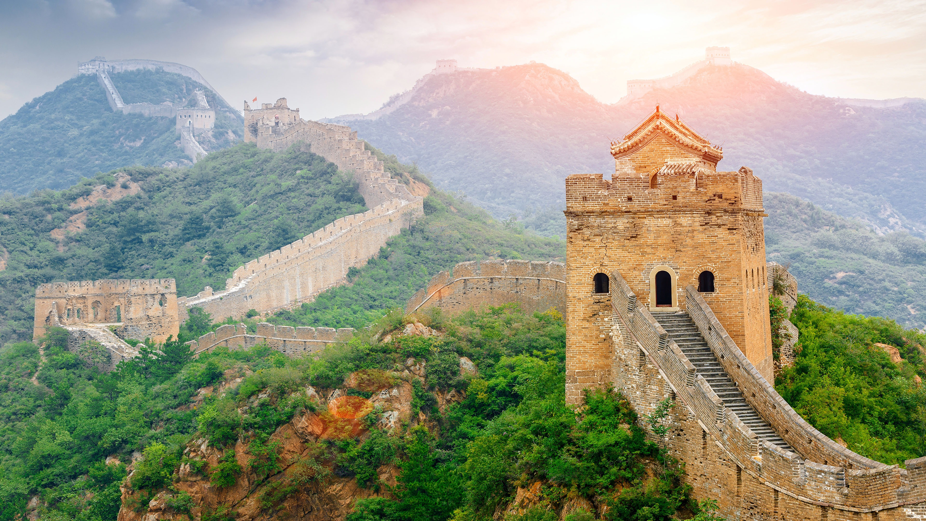 Great Wall China Scenic Spots Sunlight Scenery Preview