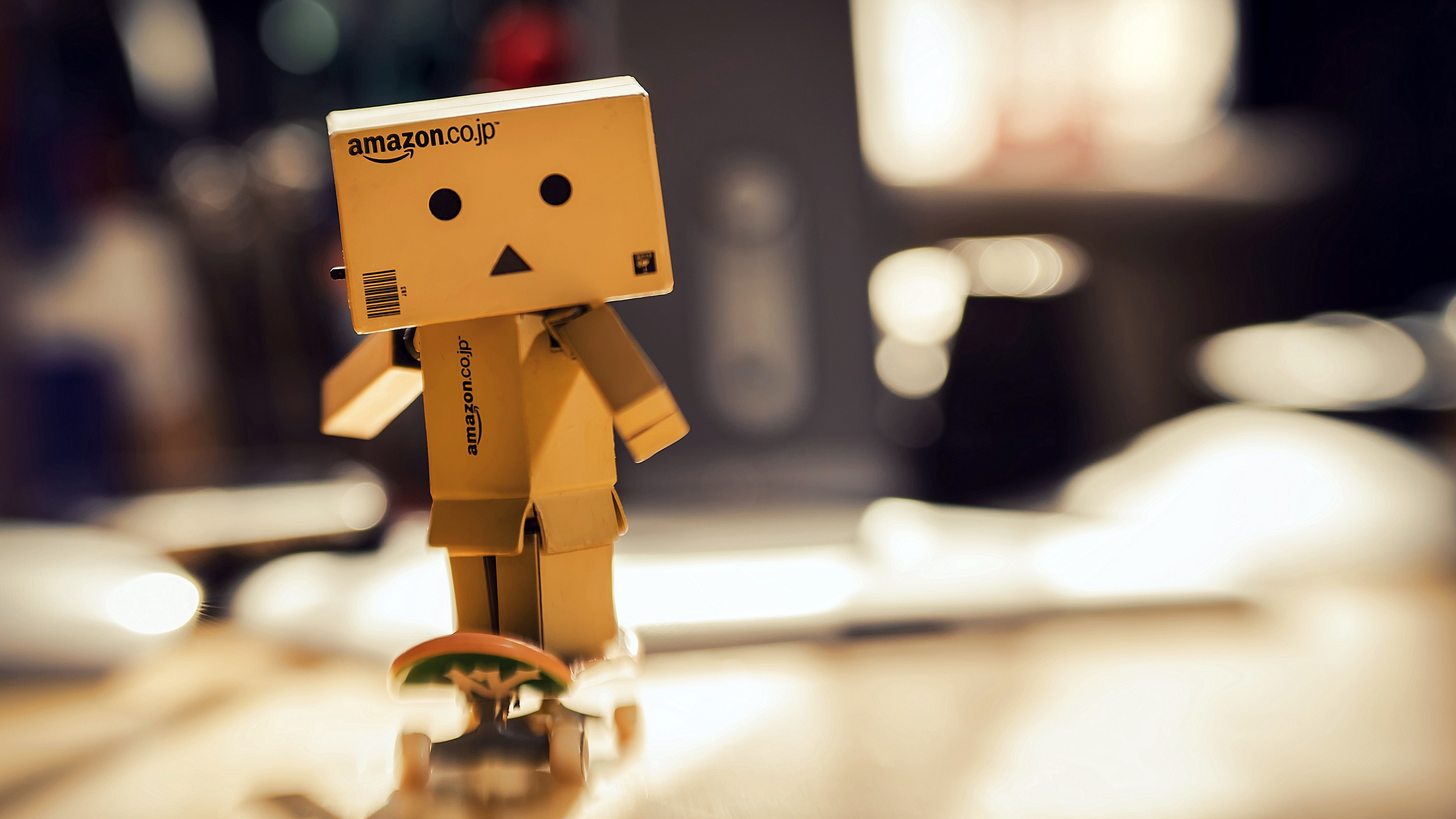 Amazon Danbo Cardboard Robot Skateboard - 3840x2160 wallpaper download