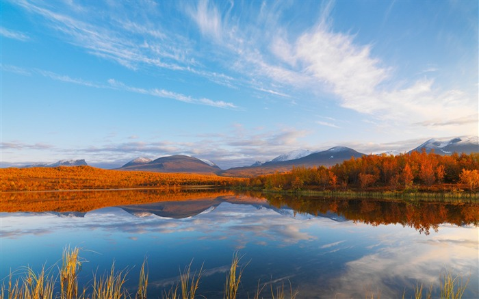 Sweden Abisko National Park-Autumn wallpaper lake map