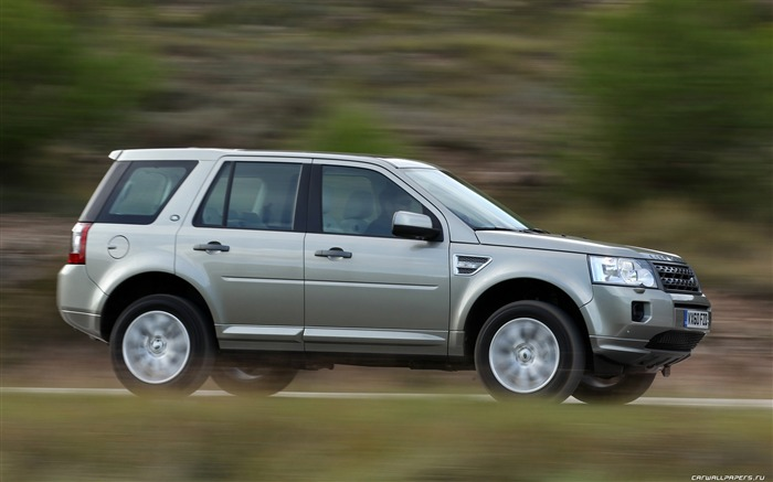 Land Rover Freelander 2 - 2011 HD wallpaper 31 Views:4467