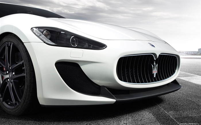 Maserati GranTurismo MC Stradale - 2010 HD wallpaper 08 Views:24475