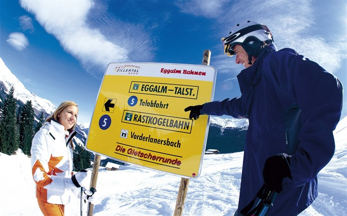 Sign Board For Tourist - Alpine Winter Vacation Views:3863
