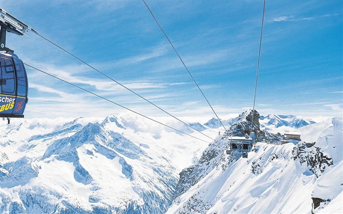 Ski-lift Cable Car in Sky - Alpine Winter Vacation Views:15065