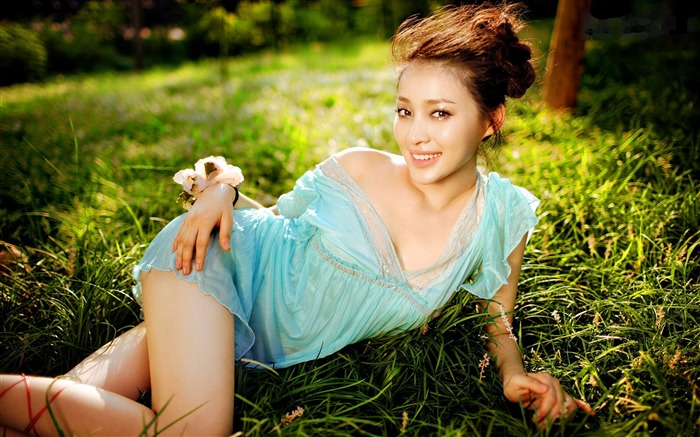 China Star - Gan Tingting beautiful wallpaper Views:16092