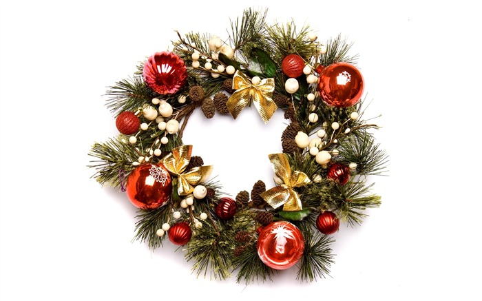 Christmas Wreath with baubles Photo Wallpaper Views:28609