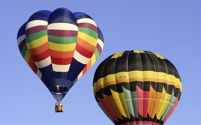 Colorful hot air balloons in sky 02 Views:5331