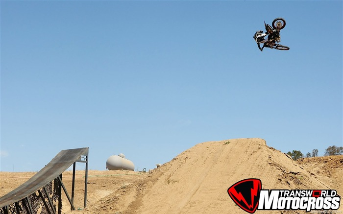 FMX motocross stunt fancy wallpaper 26 Views:3661
