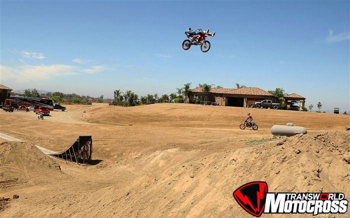 FMX motocross stunt fancy wallpaper 28 Views:3924