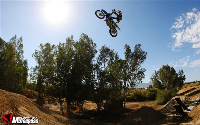 FMX motocross stunt fancy wallpaper 51 Views:3893