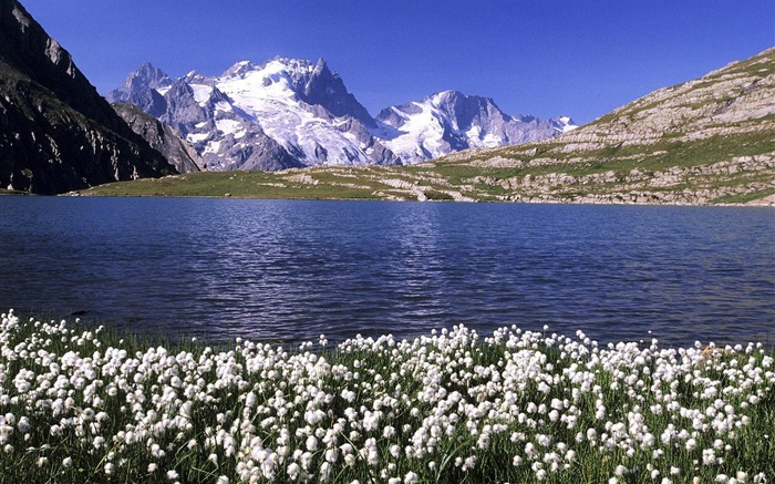 France- Goleon Lake wallpaper Views:4909