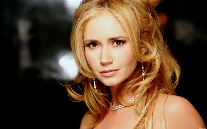 Movie actress-Ashley Jones Wallpaper Views:11178
