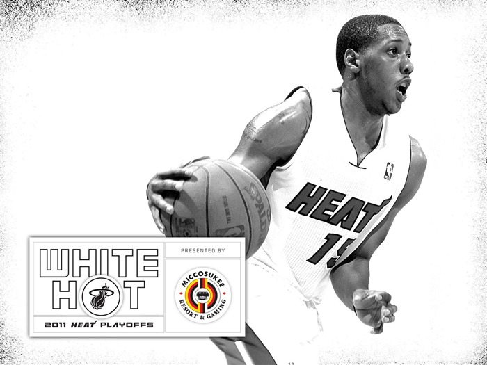 New White Hot-Chalmers Wallpaper Views:5452 Date:7/21/2011 5:59:07 AM