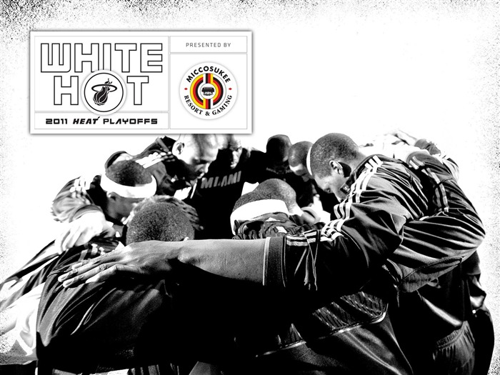 New White Hot-Team Wallpaper Views:6387 Date:7/21/2011 6:01:14 AM