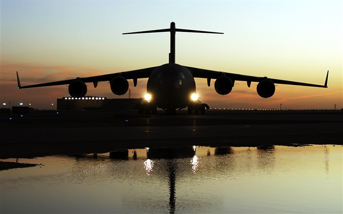 The first series of military aircraft wallpaper 17 Views:3924