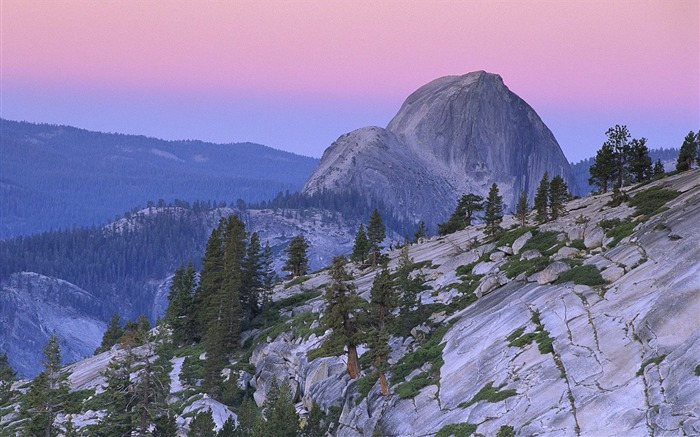 Yosemite National Park landmark- half dome mountain wallpaper Views:5741