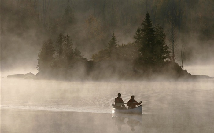 Canoe in the morning mist wallpaper Views:13662 Date:8/31/2011 4:44:39 AM