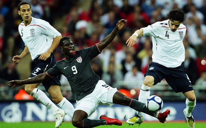 Eddie Johnson - USA vs ENG wallpaper Views:4472 Date:8/27/2011 11:24:48 AM