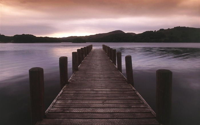 England-Lake Coniston Wallpaper Views:8055 Date:8/31/2011 4:48:29 AM