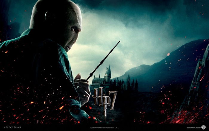 Harry Potter and the Deathly Hallows HD movie wallpaper 04 Views:8432 Date:8/9/2011 10:32:25 AM