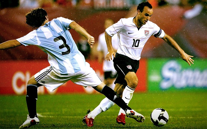 Landon Donovan - UAS vs ARG wallpaper 01 Views:3298 Date:8/27/2011 11:22:22 AM