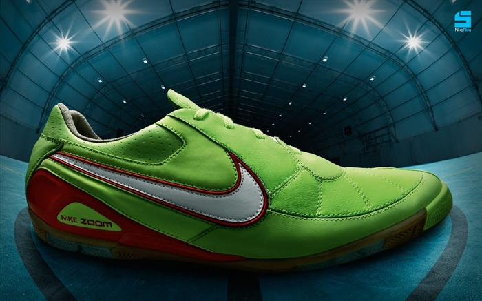 NIKE 5 Futsal football boots wallpaper Views:25080 Date:8/27/2011 10:56:27 AM