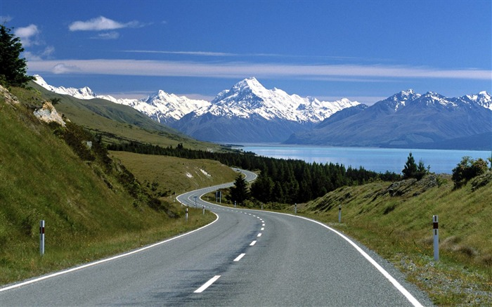 New Zealand-Mount Cook from the road overlooking the wallpaper Views:25560 Date:8/31/2011 5:10:30 AM