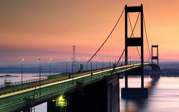 United Kingdom-Severn Bridge wallpaper Views:7550 Date:8/31/2011 5:12:49 AM