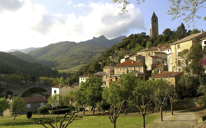 France - the ancient village of Ola erg wallpaper Views:4481