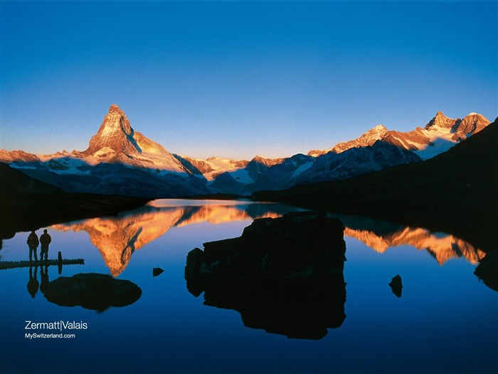Grindelwald - Bach Lake Wallpaper Views:14832 Date:9/19/2011 1:35:49 AM