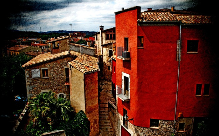 Red House-Spain Girona city landscape2 Views:3595