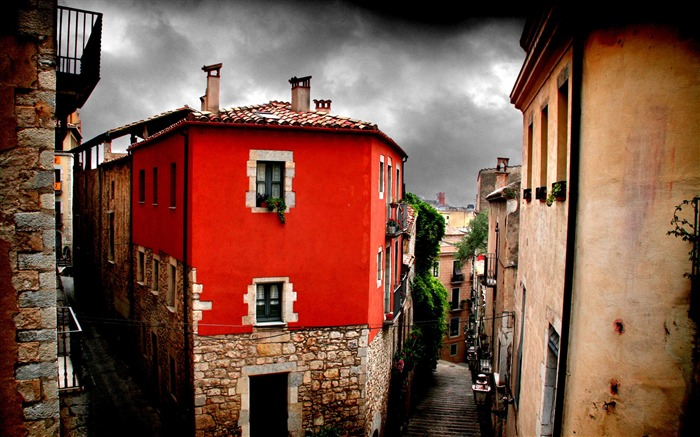 Red House-Spain Girona city landscape Views:8807