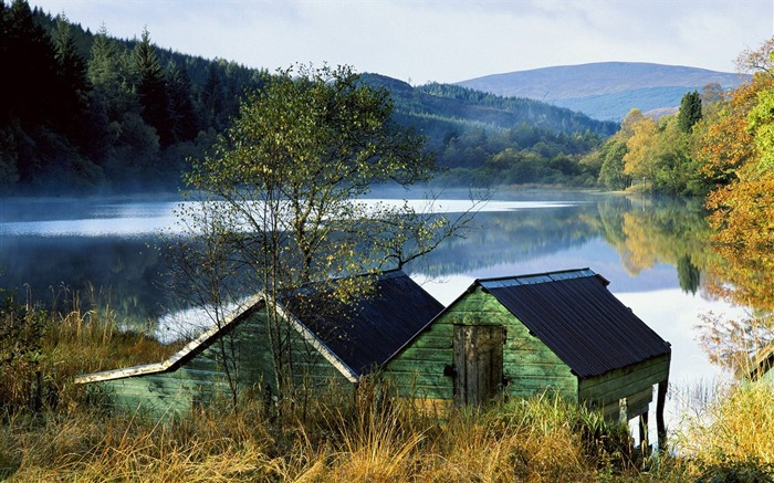 Scotland - Uncle Phil Boathouse wallpaper Views:4377