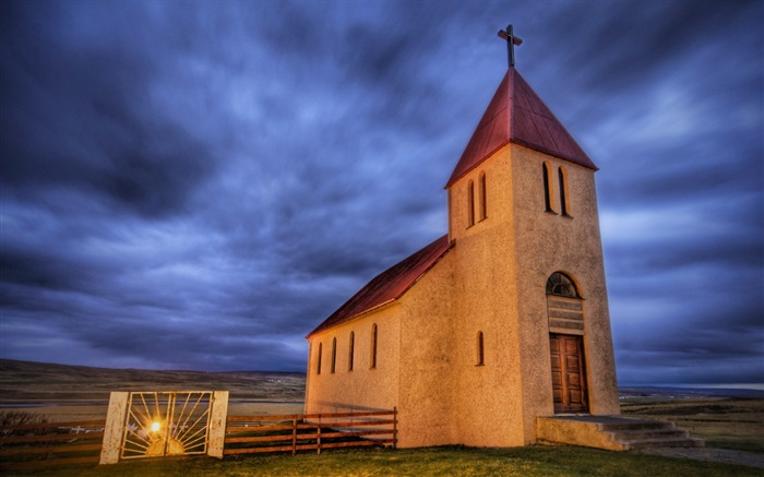 The Abaondoned Church on the Icelandic Tundra Views:5300