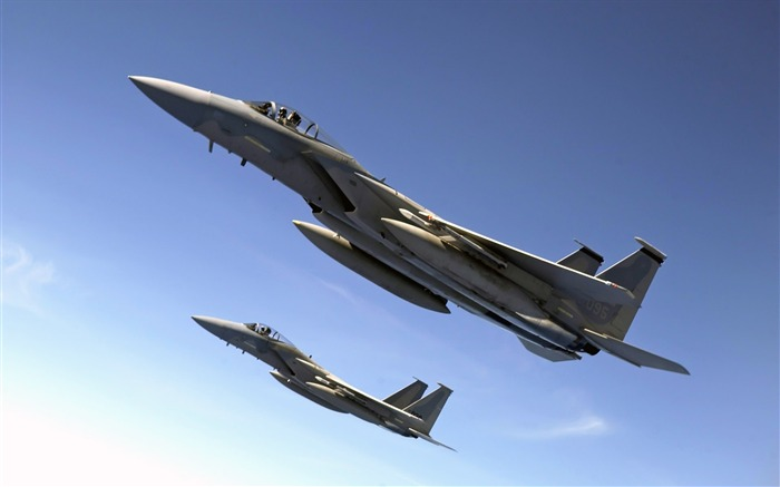 F 15 Eagles Fly Over the Pacific Ocean-Years of peace-military aircraft Views:4580