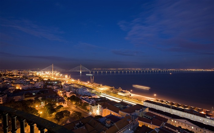 Nocturna New Lisbon Bridge-Travel in the world - photography wallpaper Views:6330