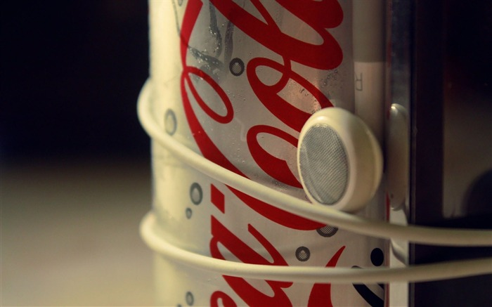 coca cola headphones-Well-known brand image display desktop wallpaper Views:9721