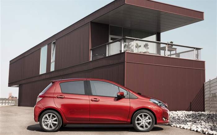 Toyota Yaris saloon car red appearance of the desktop wallpaper 03 Views:4071