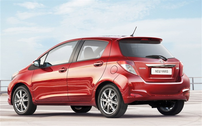 Toyota Yaris saloon car red appearance of the desktop wallpaper 14 Views:4338