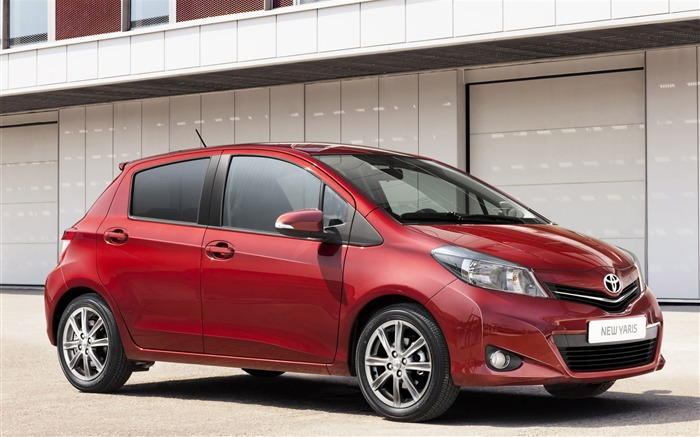 Toyota Yaris saloon car red appearance of the desktop wallpaper 15 Views:4425