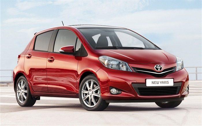 Toyota Yaris saloon car red appearance of the desktop wallpaper Views:16116