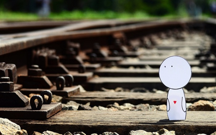 i walk along the railway-love wallpaper pictures Views:8784